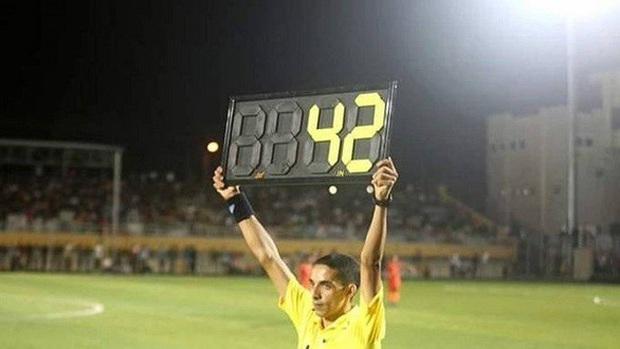 Sau sự cố vỡ sân tại Hà Tĩnh, V.League sở hữu trận đấu nằm trong top đầu lịch sử bóng đá thế giới về số phút bù giờ - Ảnh 1.