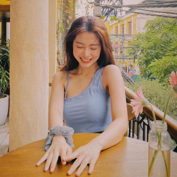 Học tập Jennie - Lisa, sao Việt thi nhau diện kiểu áo một mất một còn khoe body sexy hết cỡ - Ảnh 11.