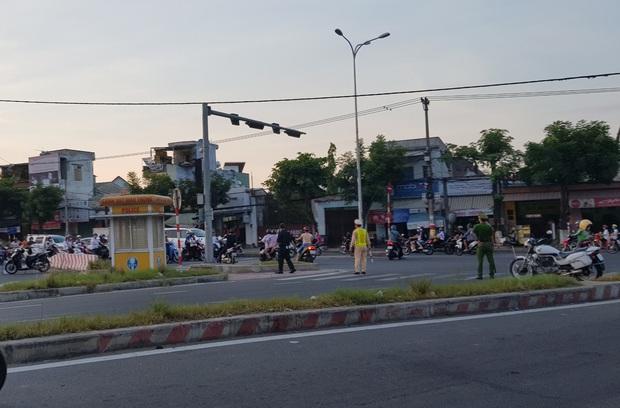 Clip: Cháy lớn kinh hoàng tại kho chứa quạt nước ở Đà Nẵng, thiệt hại hàng chục tỷ đồng - Ảnh 9.