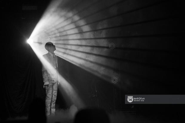 SKY TOUR: Mãn nhãn vì loạt stage máu lửa nhưng có thực làm hài lòng khán giả không phải fan Sơn Tùng M-TP? - Ảnh 6.