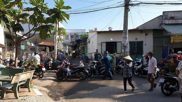Nghi án phóng hỏa đốt phòng trọ khiến 3 người tử vong ở Sài Gòn - Ảnh 1.