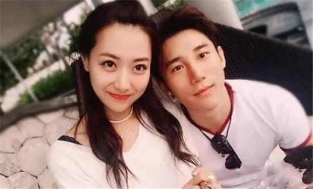 Kim Hee Sun Trung Quốc bất ngờ tiết lộ đã ly hôn, loạt ảnh chồng cũ có ám muội với Trịnh Nguyên Sướng bị đào lại - Ảnh 4.