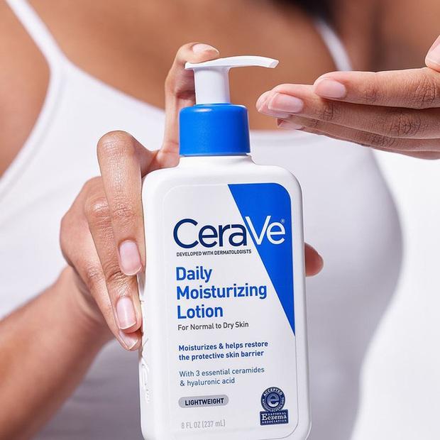 Ngồi điều hòa thường xuyên khiến da khô đét xám xịt, bác sĩ gợi ý 5 lọ kem dưỡng drugstore giữ da mọng mướt 24/7 - Ảnh 4.