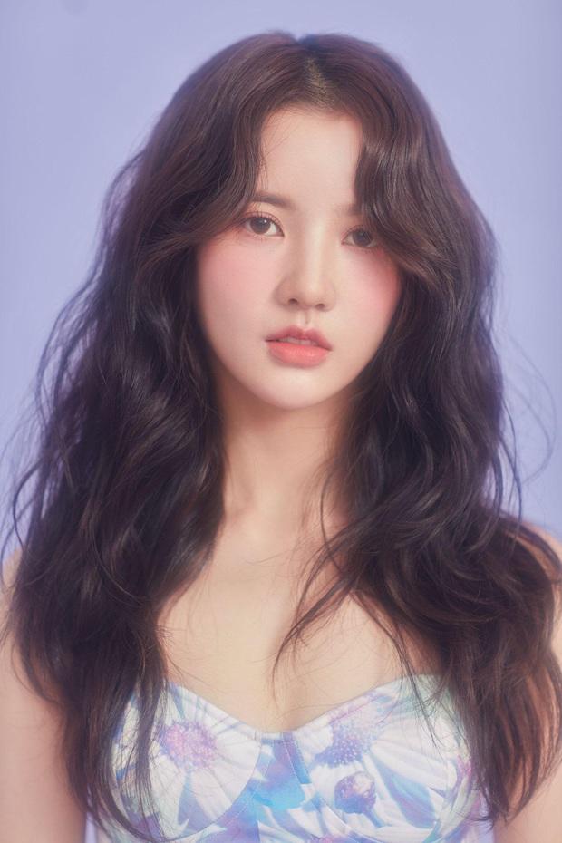 """Nữ idol Kpop đang hot ở Sáng Tạo Doanh tiết lộ bị công ty đuổi thẳng cổ với lời nhắn """"không cần quay lại"""", nhóm bị nghi đã tan rã? - Ảnh 1."""