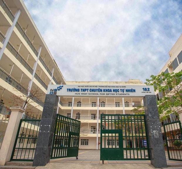 Nhờ học online, trường THPT ở Hà Nội cho học sinh nghỉ hè từ đầu tháng 6 - Ảnh 1.