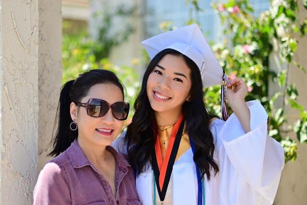 Hồng Đào khoe con gái út cao 1m7, cực cá tính vừa tốt nghiệp cấp 3 ở Mỹ: Con nhà người ta đây rồi! - Ảnh 2.