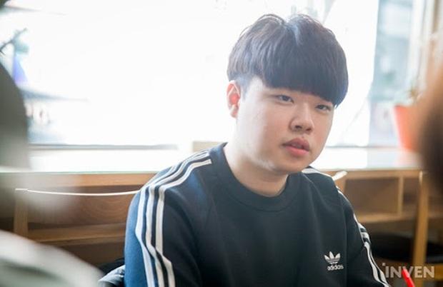 Clid bị cộng đồng fan LMHT Hàn Quốc chỉ trích vì... có bạn gái? - Ảnh 3.
