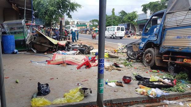 CLIP: Khoảnh khắc xe tải lao vào chợ làm 5 người chết, 5 bị thương - Ảnh 4.