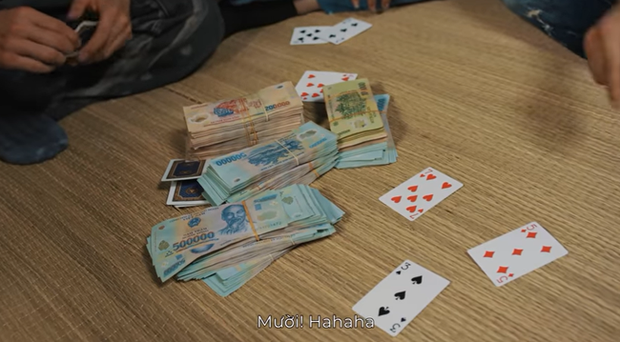 Giang hồ mạng Huấn Hoa Hồng ngang nhiên làm MV quảng cáo game đánh bạc: Có thể bị xử lý hình sự - Ảnh 12.