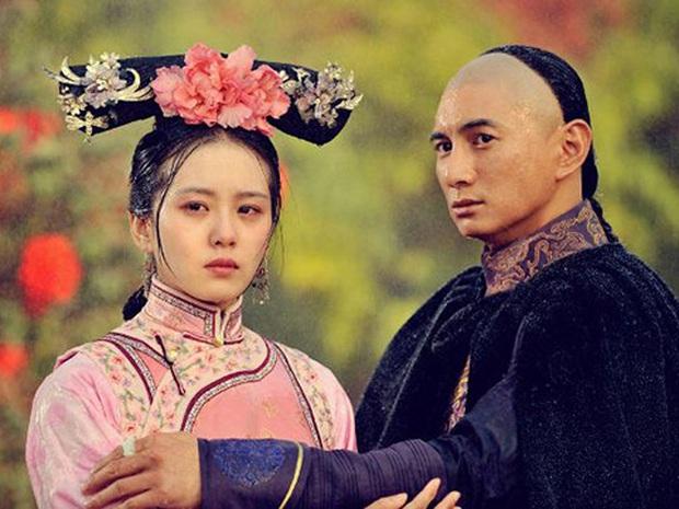 Khi mỹ nhân Cbiz dầm mưa so deep: Dương Mịch lộ luôn khuyết điểm, Lưu Thi Thi đẹp đến nao lòng - Ảnh 4.