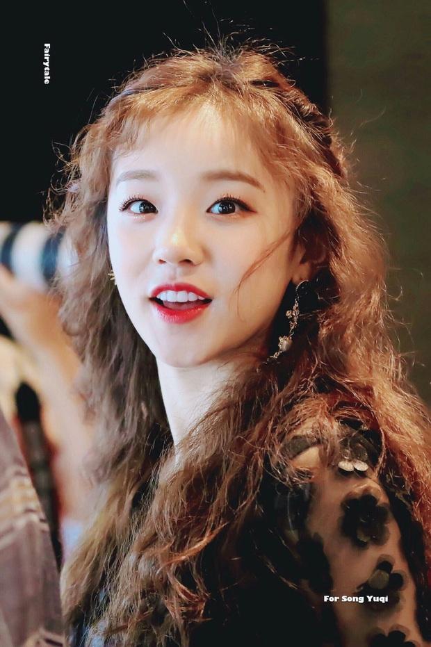 Top 40 idol nữ nổi tiếng nhất trong giới LGBT nữ Hàn Quốc: Gà nhà SM thắng lớn, BLACKPINK đâu mất rồi? - Ảnh 20.