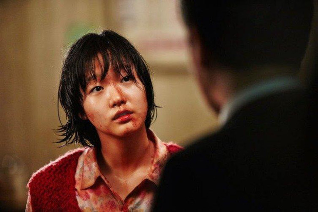 Nàng thơ Kim Go Eun từ một nữ sinh phim 18+ năm nào, giờ đã cưa đổ cả Quân Vương Bất Diệt - Ảnh 4.