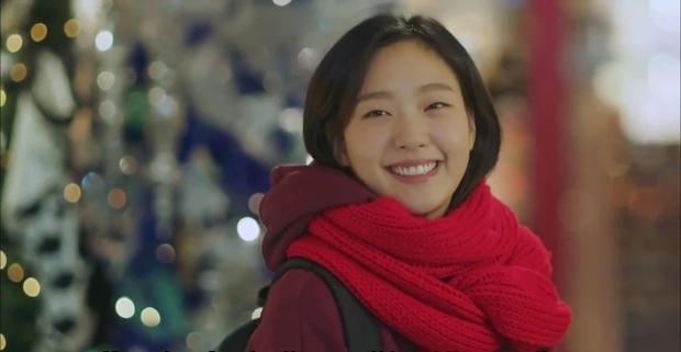 Nàng thơ Kim Go Eun từ một nữ sinh phim 18+ năm nào, giờ đã cưa đổ cả Quân Vương Bất Diệt - Ảnh 9.