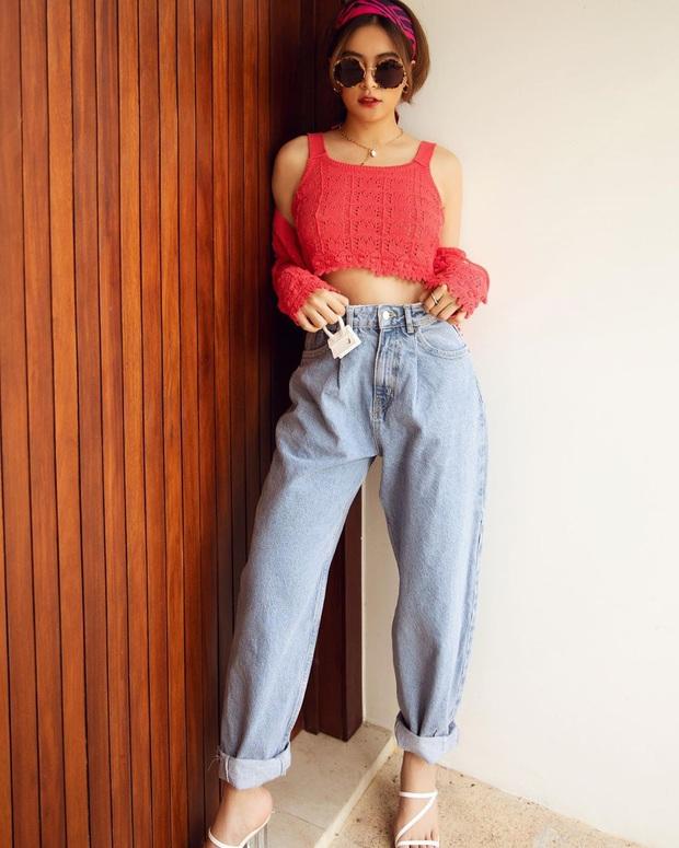 Các mỹ nhân 8x của Vbiz cực kết một mẫu quần jeans hack tuổi siêu phàm, ai diện lên cũng trẻ và ăn chơi hẳn - Ảnh 7.