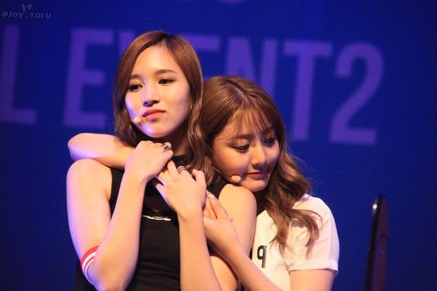 Jihyo và Mina (TWICE) đưa lời khuyên cho ai muốn trở thành Idol: Nếu chùn bước hãy nhắc nhở bản thân về khoảnh khắc mình từng nỗ lực thế nào - Ảnh 1.