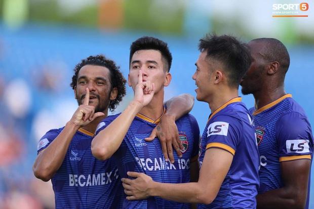 Cả hàng công của đội tuyển Quốc gia chỉ ghi được một bàn, HLV Park Hang-seo biết trông cậy vào ai? - Ảnh 1.