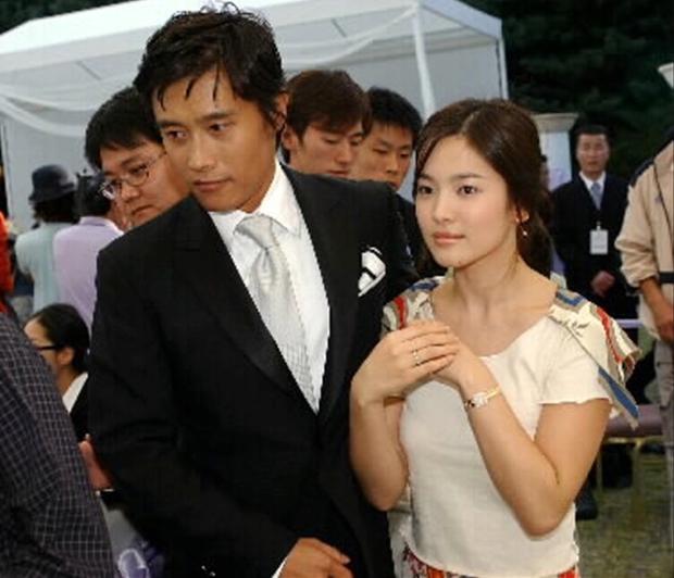 Soi Song Hye Kyo phân biệt đối xử Hyun Bin với 2 tình cũ: Kết cục anh lại là người duy nhất chưa từng cà khịa cô! - Ảnh 18.