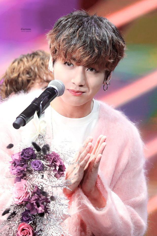 10 idol trúng thưởng vào nhiều công ty giải trí lớn nhất: Jungkook (BTS) thầu tận 7 ông lớn, bất ngờ 2 idol được BIG3 chấp nhận - Ảnh 2.