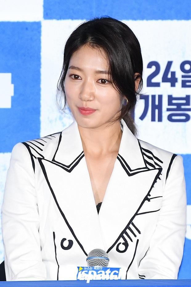 Park Shin Hye thân mật với Yoo Ah In tại họp báo, dân tình chỉ dán mắt vào nhan sắc tình màn ảnh của Lee Min Ho sau 7 năm - Ảnh 5.