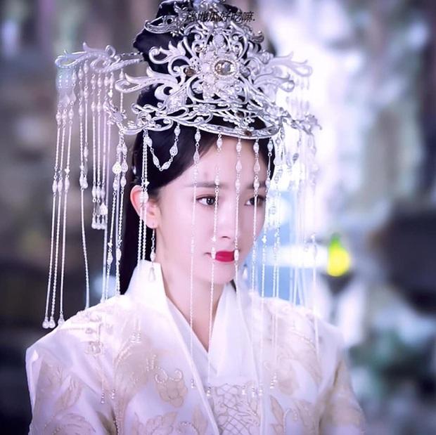 Khi mỹ nhân Cbiz sắm vai cameo: Dương Mịch, Triệu Lệ Dĩnh đẹp thần sầu khiến khán giả quên luôn cả nữ chính - Ảnh 2.