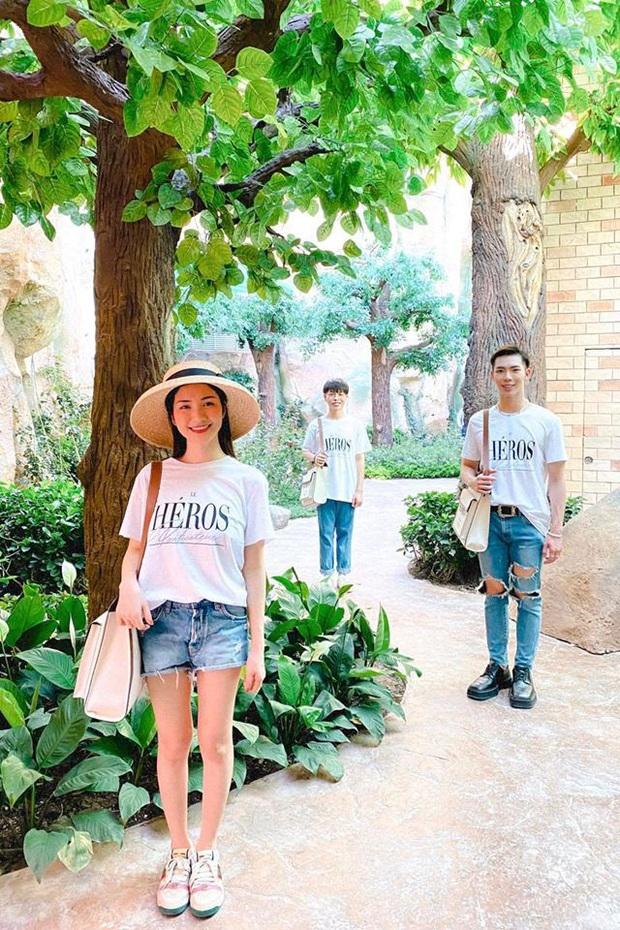 """Tụ tập sau chuỗi """"cày cuốc"""" trending, Gia đình Hoa dâm bụt rủ nhau phá đảo công viên chủ đề lớn nhất Việt Nam - Ảnh 4."""