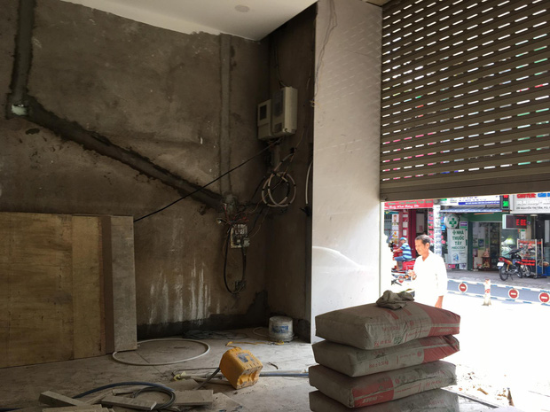 Nghe tiếng la hét, anh kiểm tra phát hiện em ruột tử vong cạnh cửa cuốn trong căn nhà ở Sài Gòn - Ảnh 2.