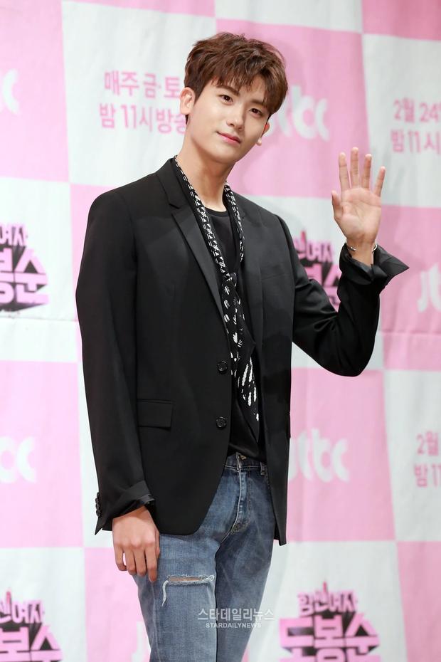 10 idol trúng thưởng vào nhiều công ty giải trí lớn nhất: Jungkook (BTS) thầu tận 7 ông lớn, bất ngờ 2 idol được BIG3 chấp nhận - Ảnh 8.