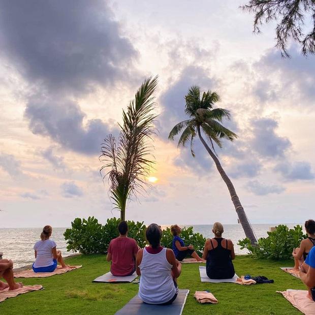 Trải nghiệm cảm giác tập yoga tại 6 resort 4 sao Phú Quốc, đầy đủ tiện nghi nhưng giá không quá 2 triệu VNĐ: Tìm kiếm bình yên giữa khung cảnh thiên nhiên trời ban - Ảnh 10.