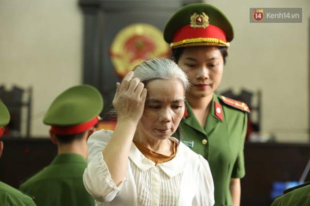 Bùi Thị Kim Thu xuất hiện tiều tụy, tóc bạc trắng trong phiên phúc thẩm vụ nữ sinh giao gà bị sát hại - Ảnh 2.