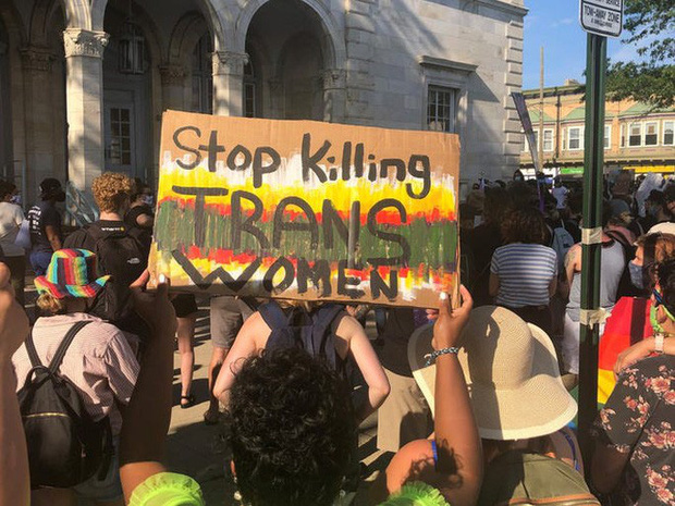 Mỹ: Liên tiếp 2 vụ phụ nữ chuyển giới da màu bị giết, biểu tình tăng nhiệt  - Ảnh 1.
