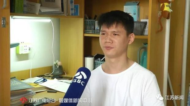 Chàng trai bị bại não mãi vẫn không đi và nói được, 18 năm sau vẫn thi đỗ đại học khiến ai cũng bất ngờ - Ảnh 1.