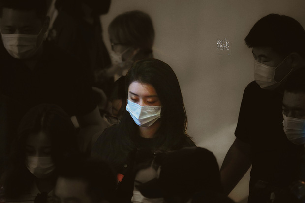 Ảnh hậu trường tập show 618 của THE9: Ngu Thư Hân phờ phạc, Khổng Tuyết Nhi được kèm sát sau scandal sờ soạng - Ảnh 11.
