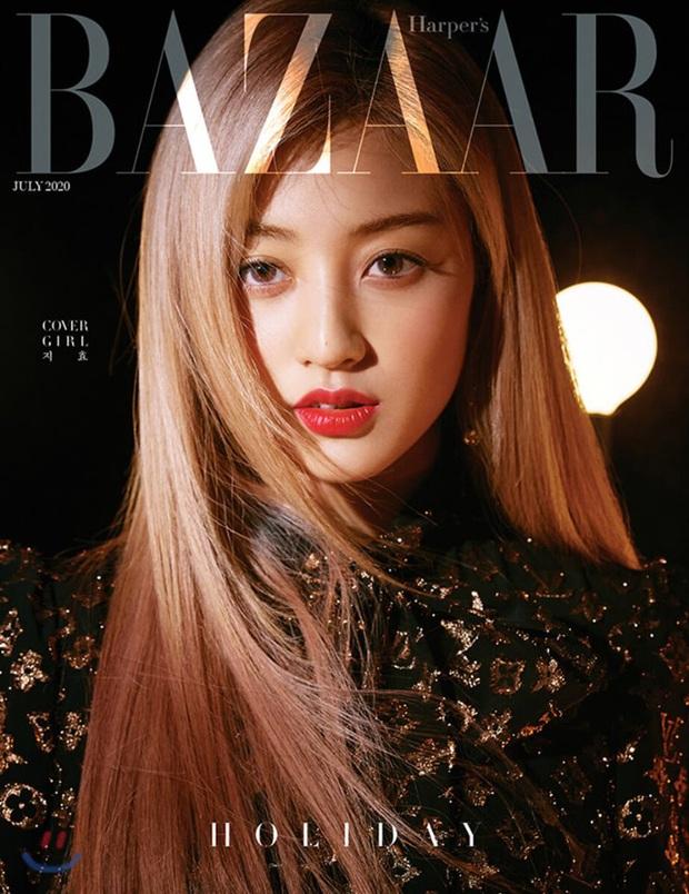 Twice bị chê tơi tả khi diện hàng hiệu lên bìa tạp chí nhưng đã có pha phản dame ngoạn mục khiến netizen câm nín - Ảnh 4.