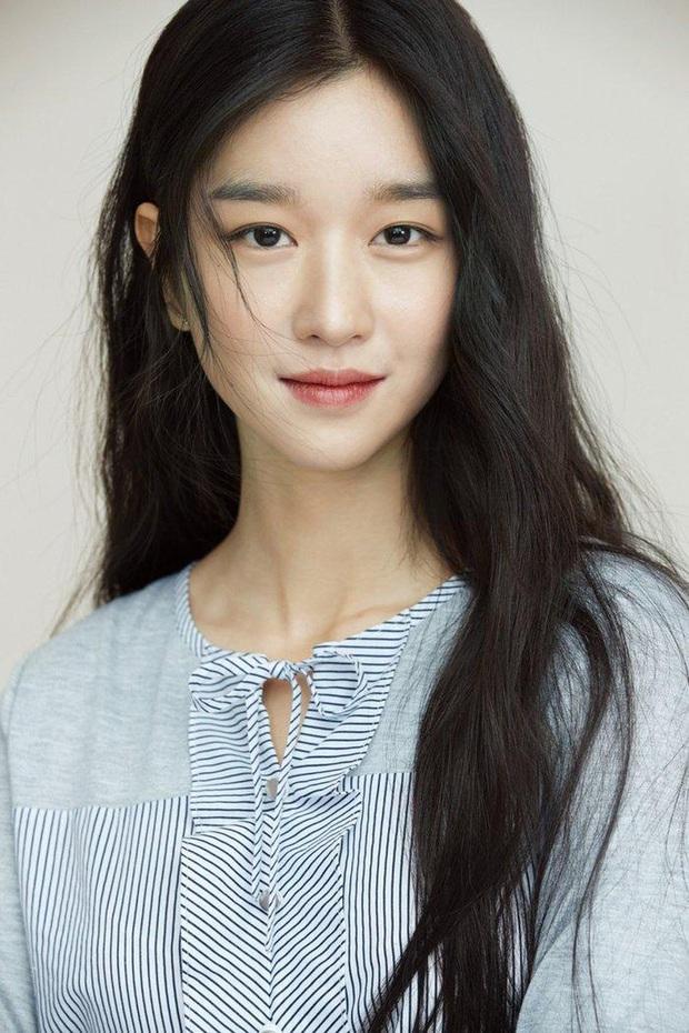 Xôn xao nữ diễn viên tân binh cùng nhà Kim Soo Hyun: Lâu lắm mới có mỹ nhân hội tụ đủ vẻ đẹp của Krystal, Yoona và cả  dàn mỹ nhân nổi tiếng - Ảnh 9.