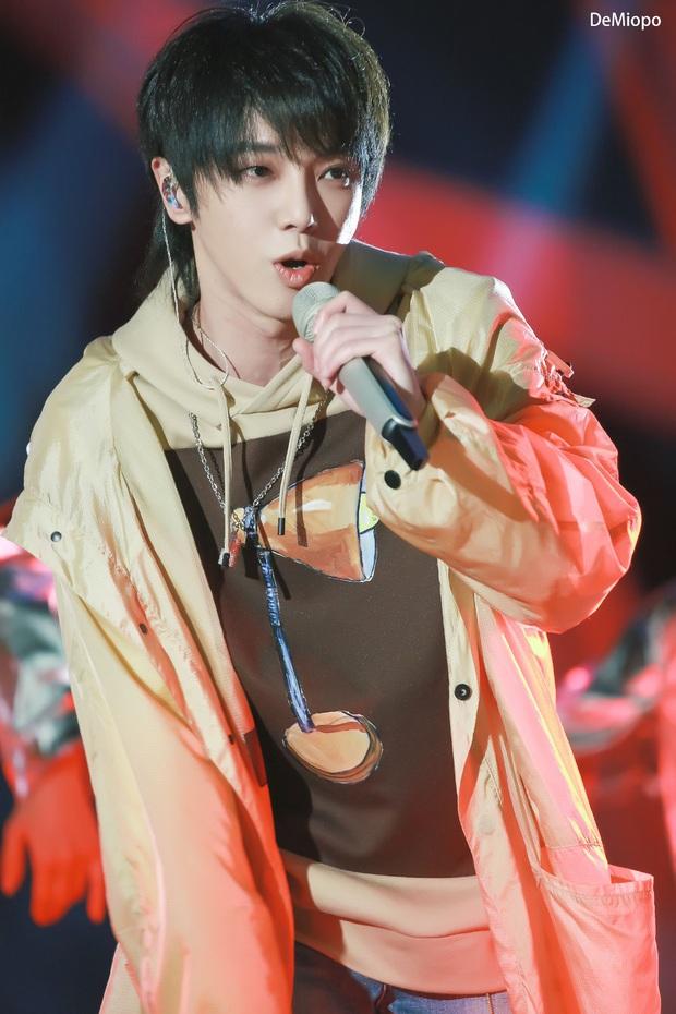 Reaction sân khấu live của ca sĩ Trung Quốc, ViruSs khẳng định tiếng Việt khó viết nhạc vì quá nhiều dấu, tuyên bố sẽ phá bỏ rào cản âm nhạc tại Việt Nam - Ảnh 4.