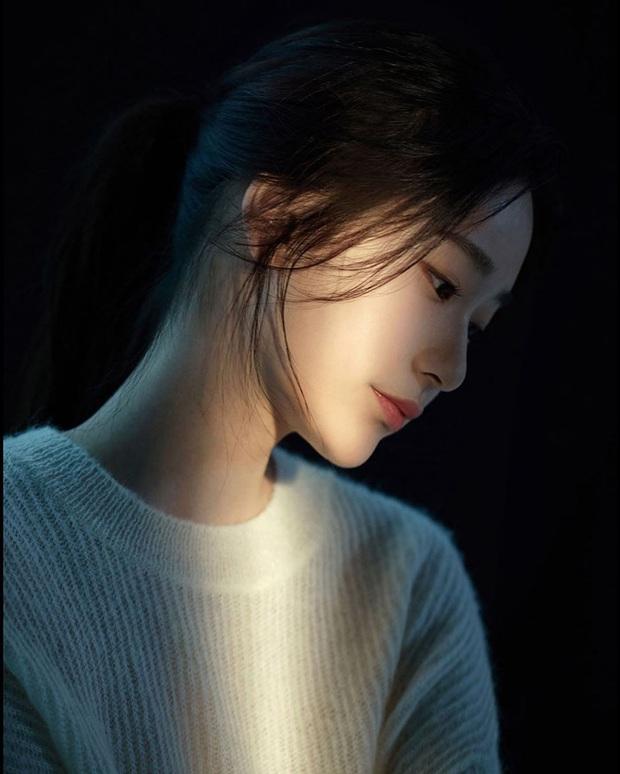 Xôn xao nữ diễn viên tân binh cùng nhà Kim Soo Hyun: Lâu lắm mới có mỹ nhân hội tụ đủ vẻ đẹp của Krystal, Yoona và cả  dàn mỹ nhân nổi tiếng - Ảnh 5.