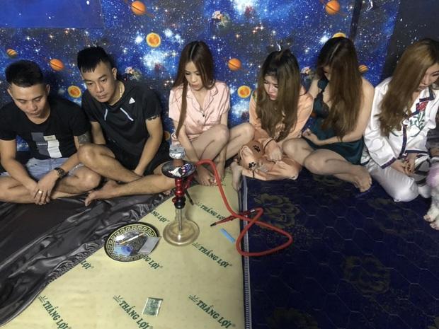 Cô gái 26 tuổi tổ chức tiệc sinh nhật bằng ma tuý cùng nhóm bạn dân chơi ở Sài Gòn - Ảnh 2.