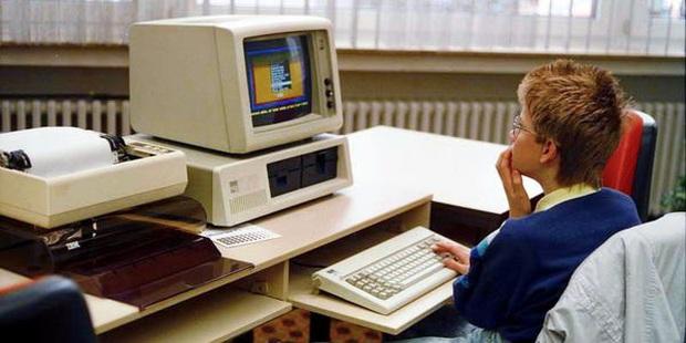 Bill Gates thức đến 4h sáng để viết game máy tính đầu tiên thế giới, bị Apple cà khịa là 'trò chơi đáng xấu hổ nhất' - Ảnh 2.