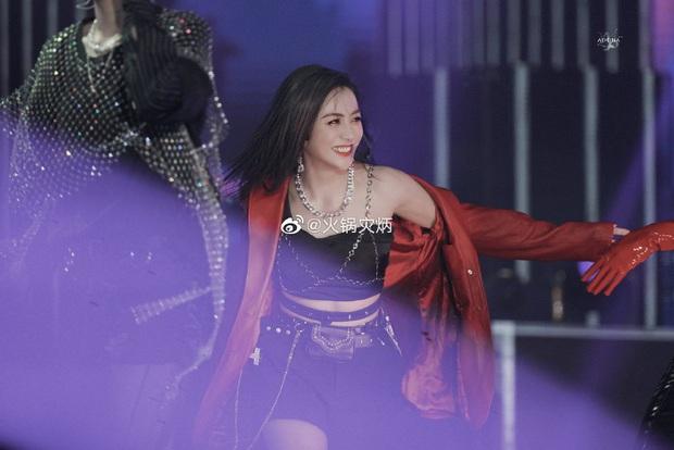 Visual nức nở của THE9 trên sân khấu debut: Khổng Tuyết Nhi xinh tựa công chúa, không ai ngờ Ngu Thư Hân sexy nhường này - Ảnh 22.