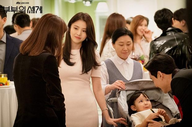 4 mẫu váy liền hot bền bỉ trong các drama Hàn, chị em sắm đủ thì muốn mặc xấu cũng khó - Ảnh 15.