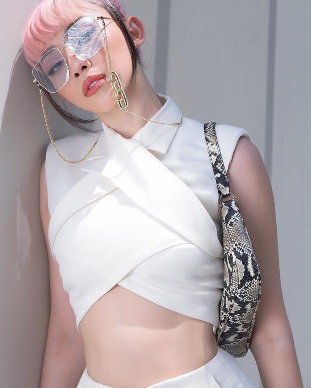 """Tóc Tiên khoe style cool hết nút nhưng netizen lại réo tên Jennie vì outfit na ná """"tuy 2 mà 1"""" - Ảnh 2."""