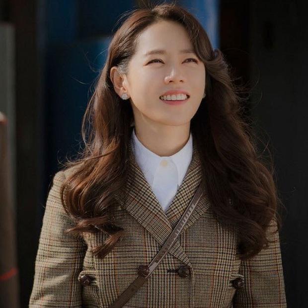 Cư dân mạng Hàn sốc nặng trước nhan sắc 17 năm không đổi của Son Ye Jin: Nói là 17 giây cũng có người tin! - Ảnh 3.
