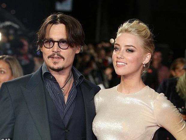 """Biến Hollywood: Amber Heard bị tố """"cắm sừng"""" Johnny Depp, ngoại tình cùng lúc với siêu mẫu Cara Delevingne và tỉ phú 49 tuổi - Ảnh 5."""