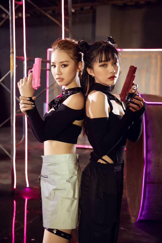 AMEE đối đầu với 2 tình địch MisThy và Linh Ngọc Đàm trong Yêu Thì Yêu Không Yêu Thì Yêu, lần đầu tiên khán giả có quyền quyết định cái kết của MV! - Ảnh 3.