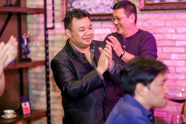 Lộ diện chồng người Malaysia của Quán quân Tuyết Mai trong buổi ăn mừng chiến thắng Hãy nghe tôi hát - Ảnh 4.