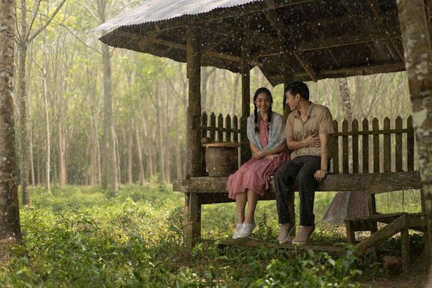 Cơn Mưa Tình Đầu: Bản remake lãng mạn chỉn chu từ Thái Lan, tiếc là mãi chẳng có ai đẹp bằng Son Ye Jin! - Ảnh 6.