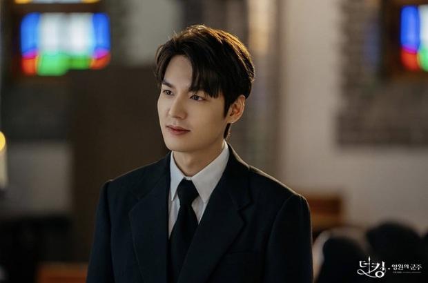 Bị nói hết thời, Lee Min Ho dập lại luôn và ngay với kỷ lục chưa diễn viên nào làm được trong lịch sử showbiz Hàn - Ảnh 2.