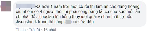 """Jisoo bị """"bỏ quên"""" khiến fan BLACKPINK nổi trận lôi đình, YG vội vàng lén lút sửa sai: Nước này đi nhầm, cho mình đi lại! - Ảnh 12."""
