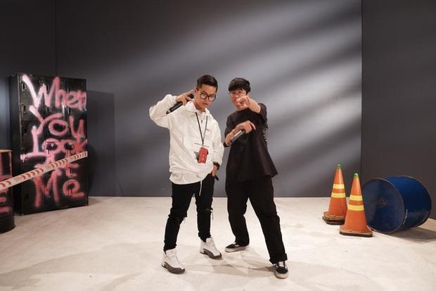 Hãng đĩa của Justin Bieber và Kanye West vừa follow đúng 2 nghệ sĩ trẻ người Việt Nam này - netizen không khỏi tò mò? - Ảnh 6.