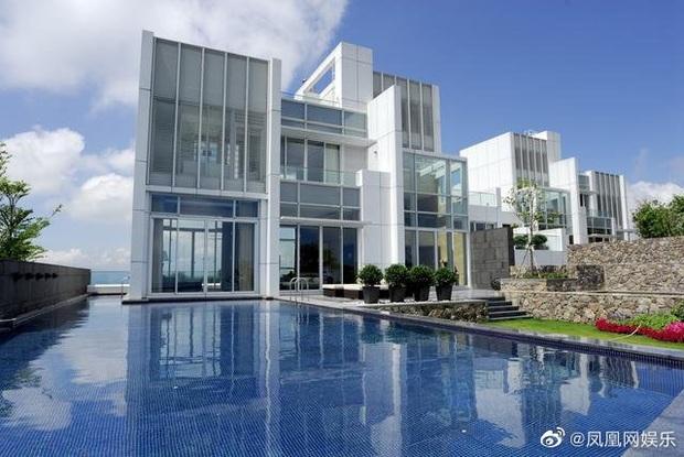 Rầm rộ tin Châu Tinh Trì thua bạc, vội thế chấp siêu biệt thự 3,5 ngàn tỷ đồng, bị tình cũ đòi thêm 245 tỷ nợ nần - Ảnh 6.